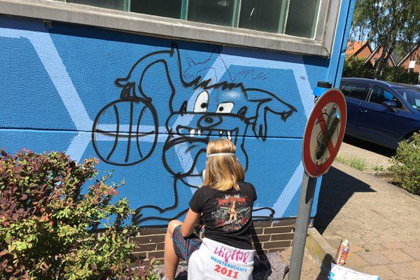 Graffiti Workshop gestaltet Fassade