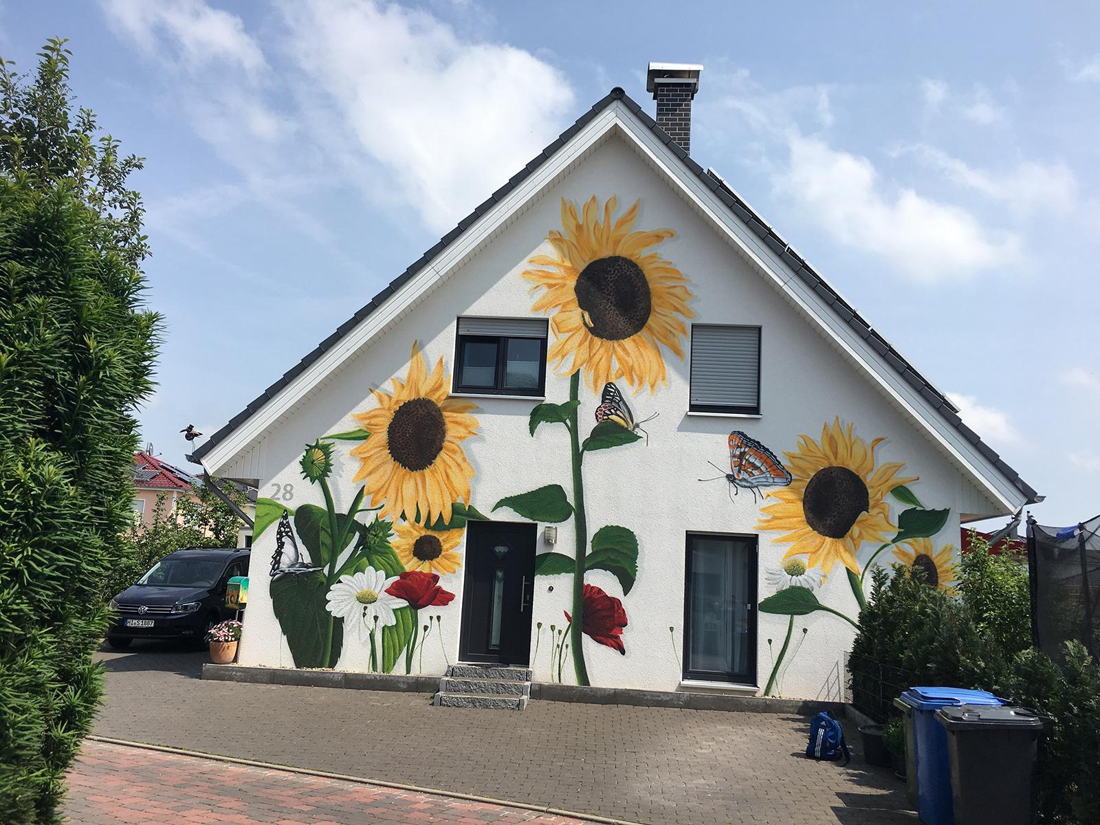 Sonnenblumen EInfamilienhaus