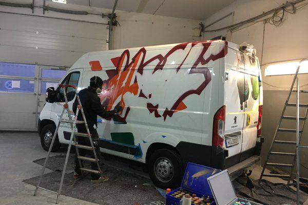 Graffiti Kleinbus